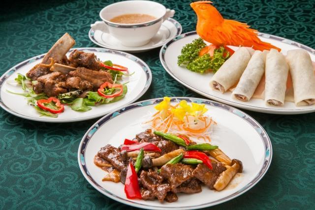 中華料理屋での接客調理業務