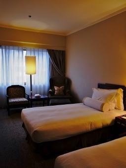 ビジネスホテルのフロント業務です!