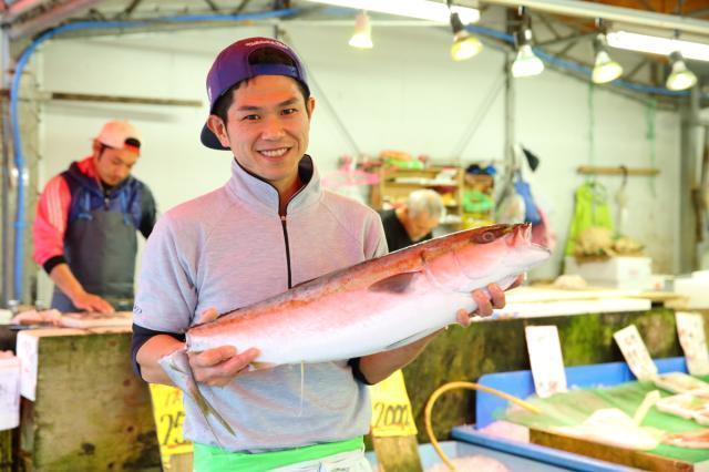 鮮魚の接客、販売
