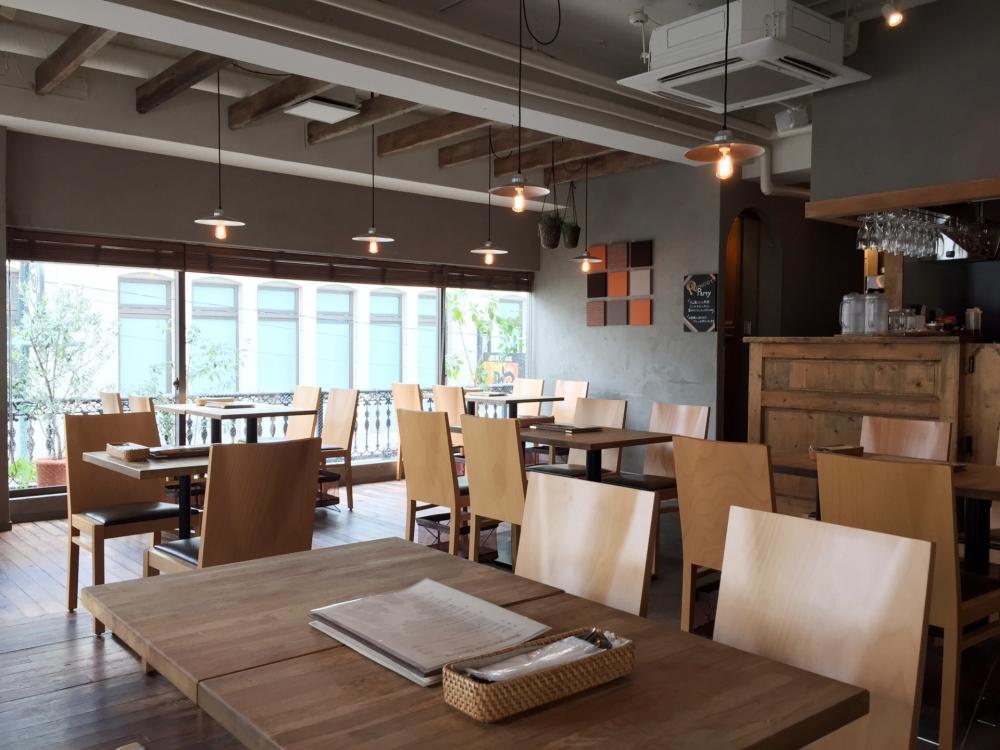 ★SNS映えするカフェでグローバルに接客
