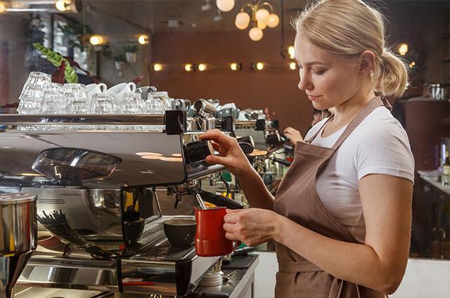 外食業で外国人採用をする際の注意点とは