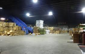 工場内での廃棄物の仕分けのお仕事です!