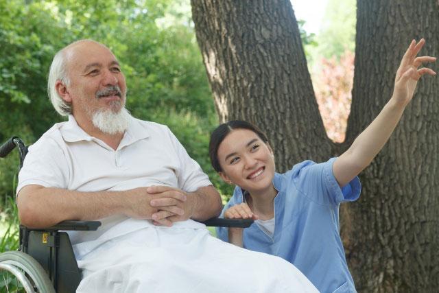 介護事業者が技能実習制度を利用して外国人採用をするための要件とは