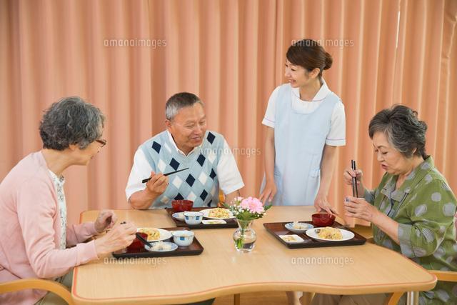 神奈川県にある老人ホームでの調理などのお仕事です!!